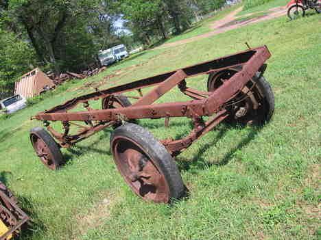 http://www.badgoat.net/Old Snow Plow Equipment/Truck Collections/Leo Frank's Truck Collection/GW468H351-25.jpg